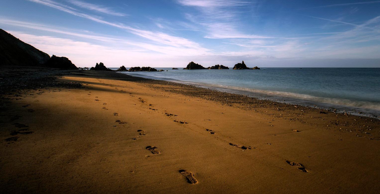 Fußspuren im Sand von Eddy White