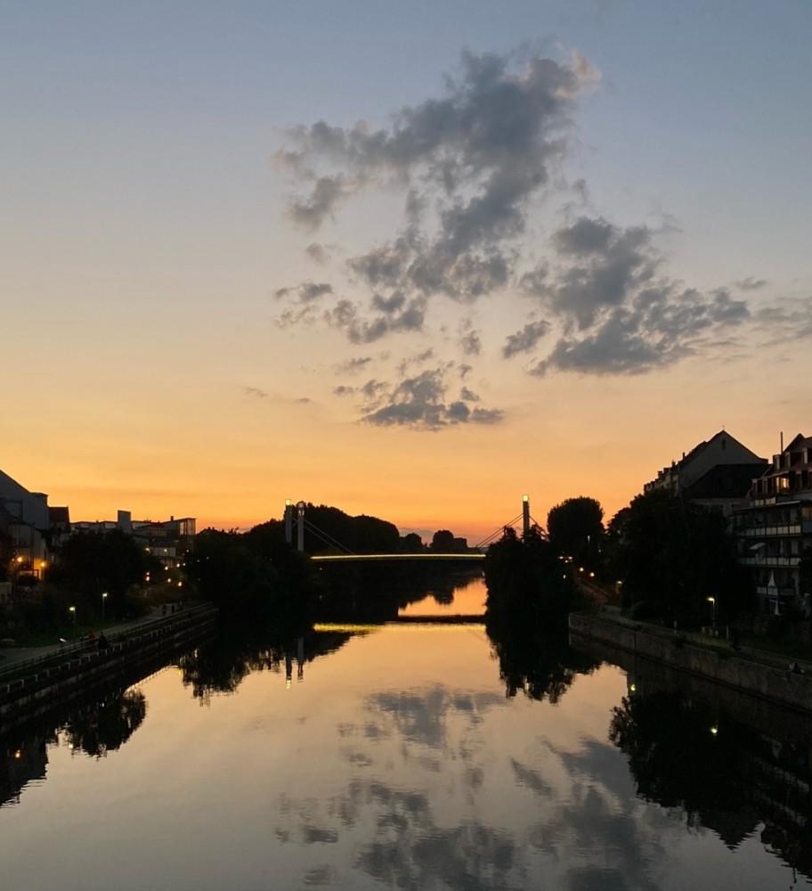 Wolken Kanal Abendstimmung